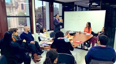 BECAL recibe cooperación de Colombia en materia de gestión de becas