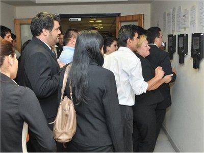 Destituyen a directores y frenan 57 contrataciones en Diputados