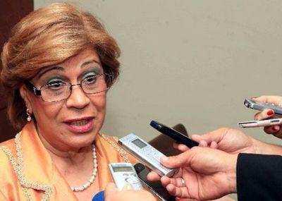 Ministra Bareiro se rectifica y disponen suspensión del juez Marino Méndez