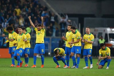 Brasil le gana a Argentina y pasa a la final de la Copa América