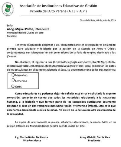 """Polémica por """"tercer sexo"""" de intendente de Ciudad del Este"""