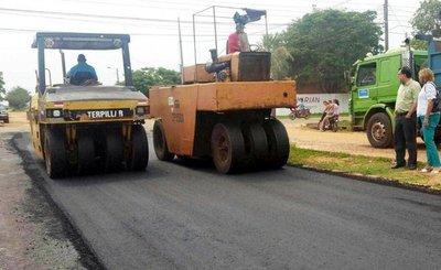 18 empresas compiten para asfaltar 125 km