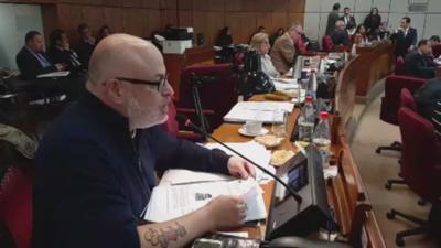 Payo Cubas tirotea contra los Urbieta en el senado
