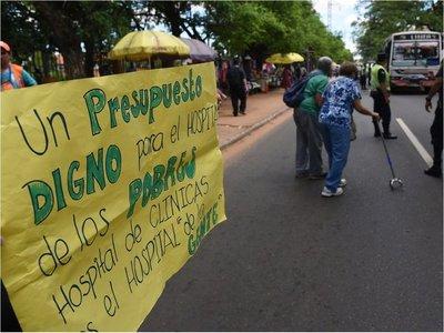 Trabajadores del Hospital de Clínicas irán a huelga por 30 días