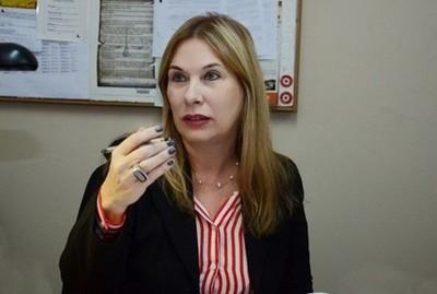 Fiscal insta a Belén Whittingslow presentarse a la audiencia por supuesta compra de notas