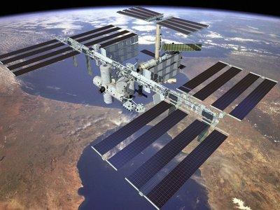 Astronauta defiende vuelos turísticos al espacio