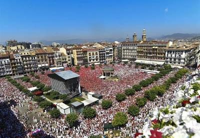 Pamplona grita ¡viva San Fermín! e inicia sus fiestas más internacionales
