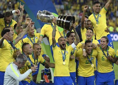Brasil explota en carnaval y Copa