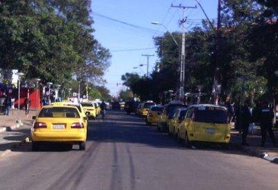 Junta de MRA levanta prohibición para MUV y Uber y taxistas amenazan con sitiar el país