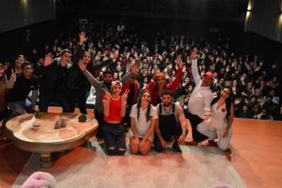 Continúa La Familia Lavalle En El Teatro Latino