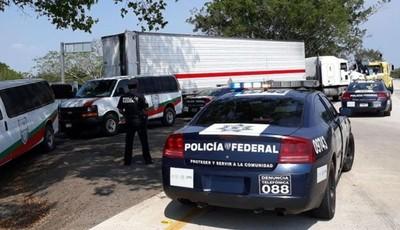 Policía detiene camión con 228 migrantes centroamericanos en el sur de México » Ñanduti