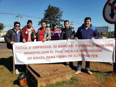 Importadores de vehículos usados en pie de guerra ante imposición de Brasil