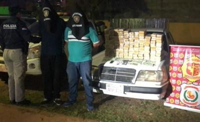 Hallan 95 kg de marihuana en vehículo con doble fondo