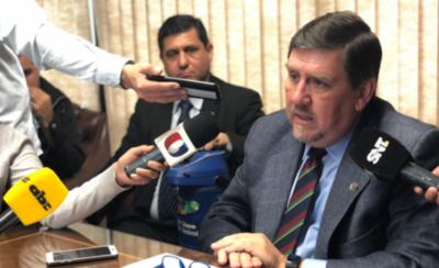 HOY / Titular del Congreso cuestiona a jueza por liberar a Ulises Quintana