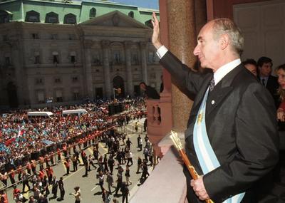 Gobierno argentino decreta duelo por De la Rúa, que será velado en Congreso