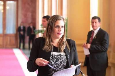 Diputada pide acompañamiento del Ejecutivo para paquete de leyes anticorrupción