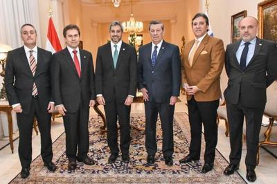 Jefe de Estado recibió visita del Canciller de Uruguay, Rodolfo Nin Novoa