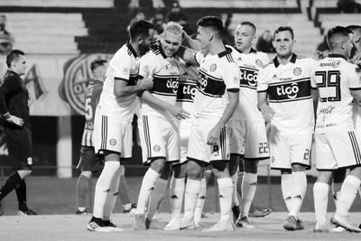 Olimpia superó al Sportivo Limpeño por 4-0