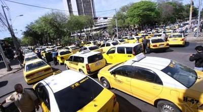 Caos en puerta: Policía no puede impedir protesta de taxistas, dice Villamayor