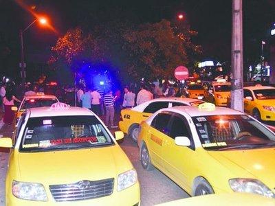 Taxistas de Asunción y Luque, los más bravos con MUV y Uber