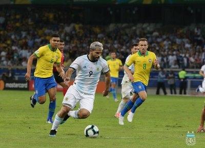 Zambrano habló sobre el uso del VAR en el Brasil-Argentina