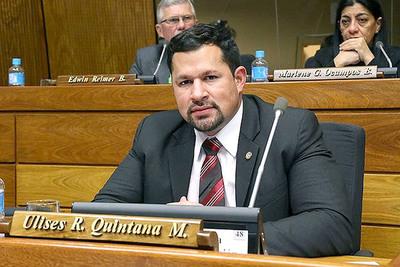 Ulises Quintana retoma su banca en Diputados