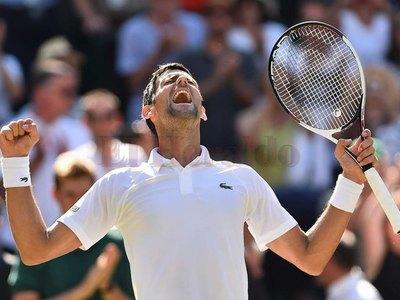 Novak Djokovic, primer semifinalista de Wimbledon