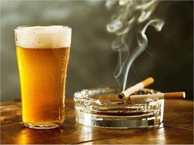 Diputados disminuyen tasa máxima de impuestos al tabaco y bebidas alcohólicas