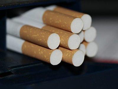 Más de un refresco al día o fumar cigarrillos, causas de hígado graso