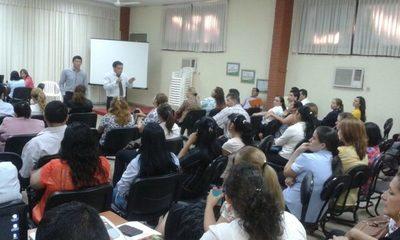 Casi la mitad de docentes se aplazó en prueba escrita de concurso del MEC