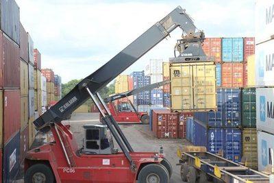 Importaciones caen un 7,7%, según el BCP
