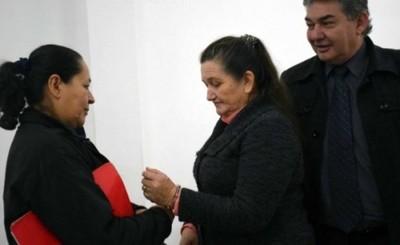 Condenan a pareja que intentó meter droga en la cárcel