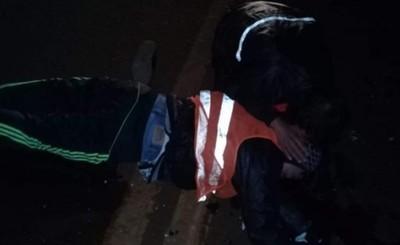Joven muere luego de chocar contra automóvil
