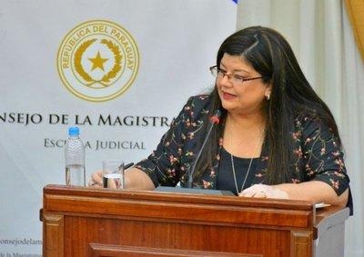 Carolina Llanes, nueva ministra de Corte