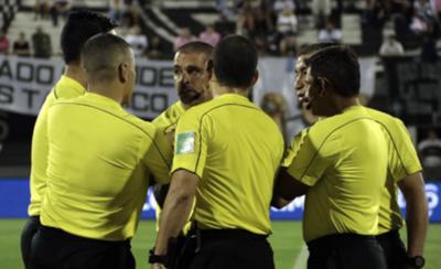 HOY / Arranca el torneo y los juegos serán con seis árbitros