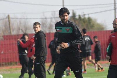 Sebastián Abreu firmó con el club número 29 en su carrera