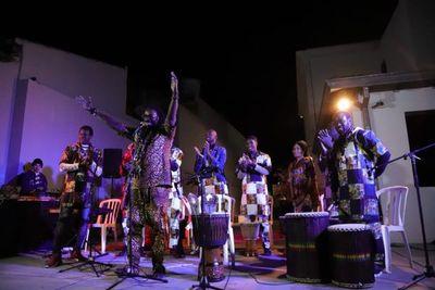 Músicos senegaleses en el barrio San Pablo