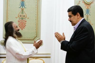 Quién es Ravi Shankar, el gurú indio que eligió Maduro para pacificar Venezuela