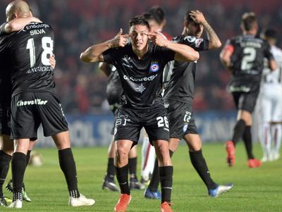 Argentinos Juniors sorprende a Colón en Santa Fe