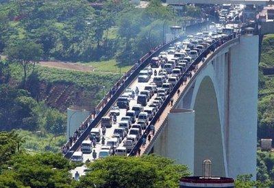 Demostrar actividad económica, nueva exigencia para salir del país con vehículo