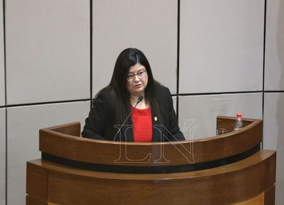 Carolina Llanes fue confirmada por Abdo como ministra de la CSJ