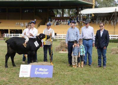 Acompañado el crecimiento nacional, los búfalos se premiaron en la pista de la Expo MRA