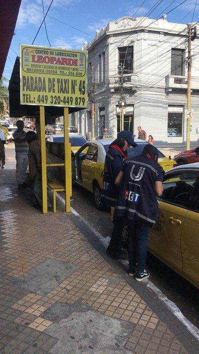 SET realiza realiza control a taxistas porque deben emitir factura
