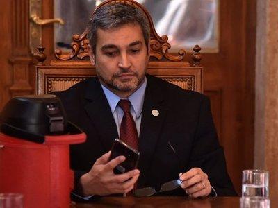 Mario Abdo responde a críticas por designación de Carolina Llanes