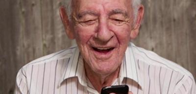 Jóvenes enseñarán a abuelitos a usar smartphones