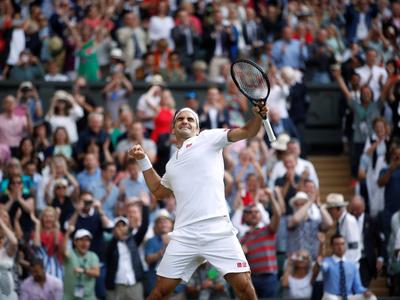 Federer supera a Nadal y sueña con su noveno título en Wimbledon