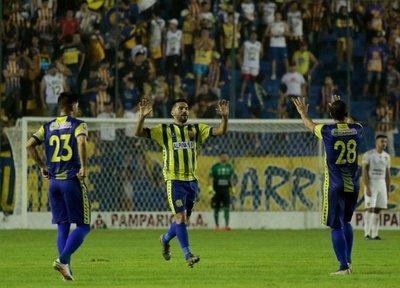 En duelo clave, Capiatá vence al Sportivo Luqueño con gol de Sasá
