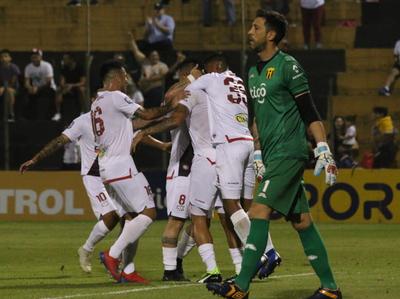 Un River Plate contundente amarga el estreno de Costas en Guaraní