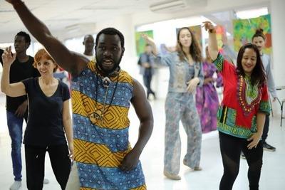 Preparan diversos talleres gratuitos con artistas de Senegal