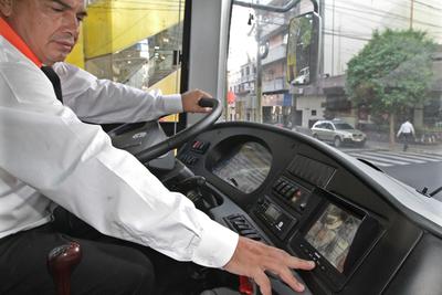 Autorizan cesión de bus híbrido a empresa para prestar servicio a usuarios